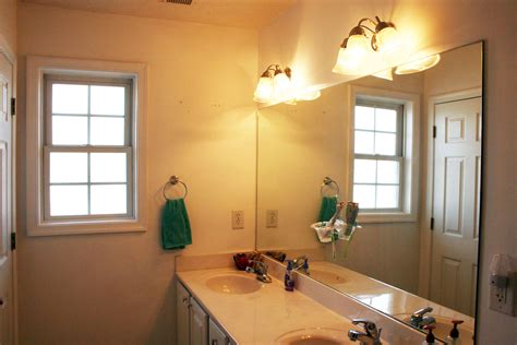 Updating The Bathroom Light Fixture » Dream Green Diy