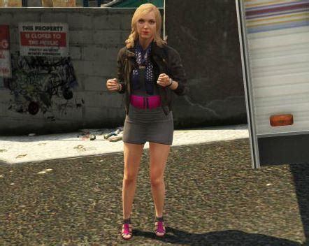 Lindsay Lohan Suing GTA Star Isnu0026#39;t Claiming Sheu0026#39;s The Bikini Girl In Rockstar Suit
