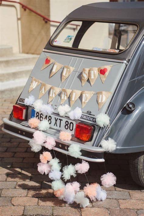 d 233 coration voiture mariage just married 10 jolies fa 231 ons de d 233 corer sa voiture de mariage