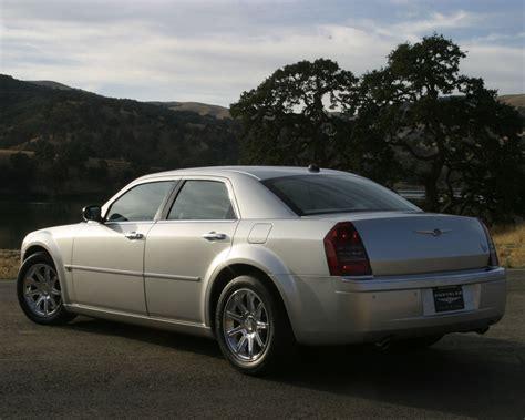 Chrysler 300c Wallpaper by Chrysler 300 Touring Limited 300c Srt8 Free 1280x1024