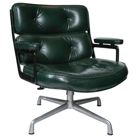 eames executive lounge chair by herman miller for sale at