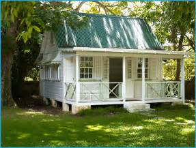 small cottages best 25 small cottage interiors ideas on cottage interiors modern cottage decor