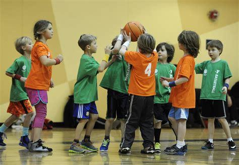 learn to play basketball arbor ymca 704   Infant Preschool Basketball 1024x709