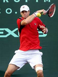 John Isner sets tourney record for aces in loss to Ernesto ...