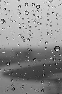 640x960 Water Drops Iphone 4 wallpaper