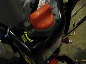 2014 Ariens Deluxe 28 Snow Blower 921030 With Auto