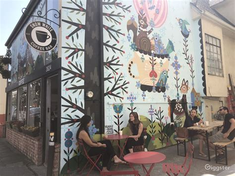 Oakland coffee works is a coffee company founded by billie joe armstrong and mike dirnt of the rock band green day. Oakland coffee shop + mural   Rent this location on Giggster