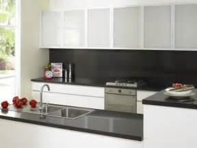 cheap kitchen splashback ideas best 25 black splashback ideas on modern kitchen lighting modern kitchen design
