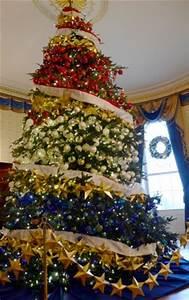 White House holiday decorations celebrate timeless