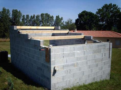 Construire Un Abris Jardin En Parpaing by Abri De Jardin En Parpaing Gartenmoy