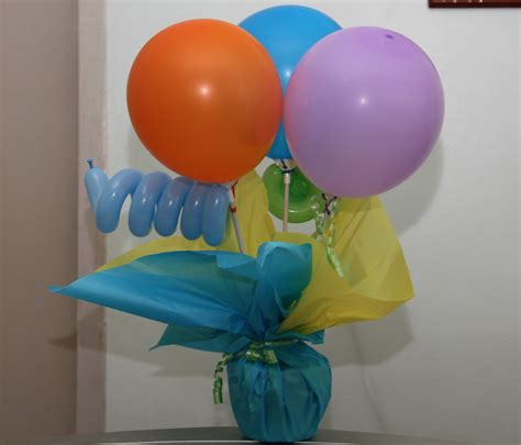 diy balloon table centerpieces party diy christening favors balloons and cake