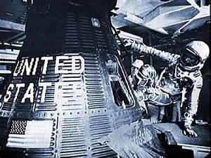 50 YEARS OF US SPACEFLIGHT - JOHN GLENN FIRST AMERICAN TO ...
