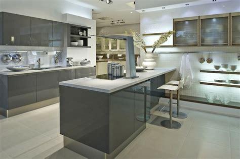 peinture pour cuisine blanche cuisine gris anthracite 56 idées pour une cuisine chic
