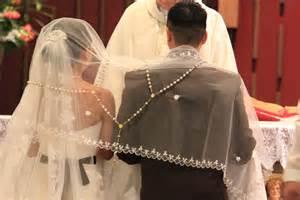 catholic wedding blessing pearl tamayo photography diaz marquez wedding