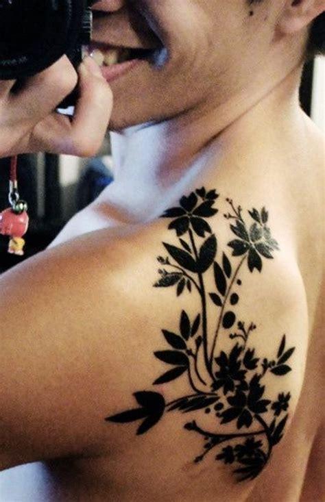 wonderful flowers shoulder tattoos