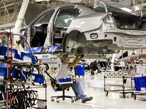 volkswagen mexico plant low wages trade deals luring auto plants and jobs to