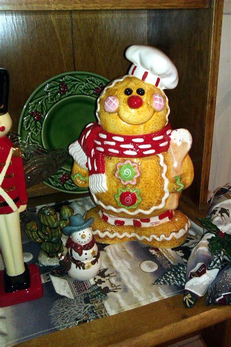 thaddeus ozarks cookie jars   larks christmas