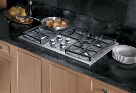 Viking Dgvu2004bbk 30 Inch Gas Cooktop With 4 Sealed