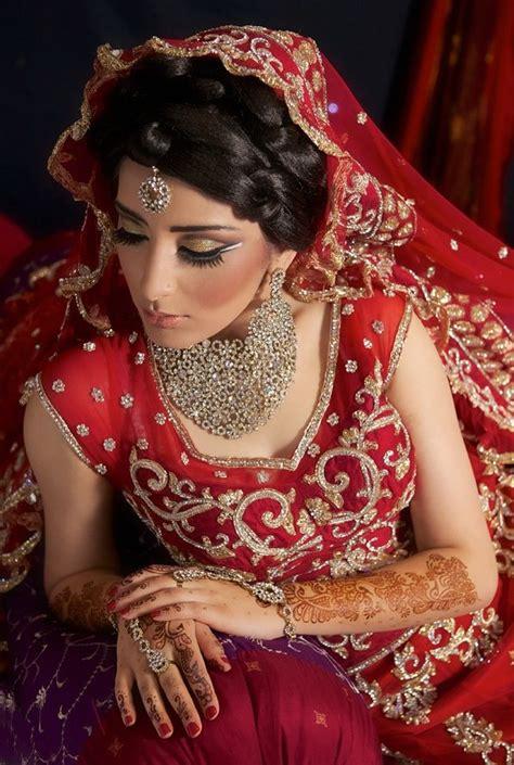 images  bridal sarees  pinterest manish