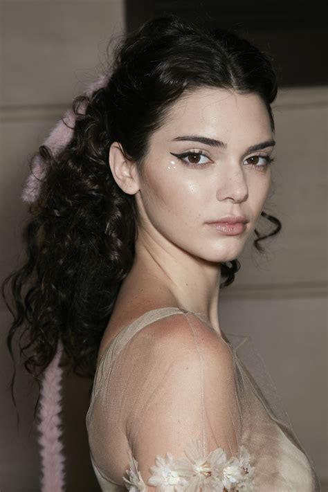 Want to know how to get spiral curls in the comfort of ...