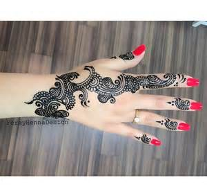 Black ink design henna nail art nails polish red