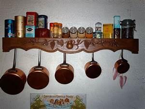 Porte Ustensile Cuisine : porte casseroles ustensiles de cuisine ~ Teatrodelosmanantiales.com Idées de Décoration