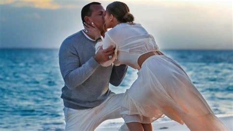 Jennifer Lopez And Alex Rodriguez Share New Engagement Photos