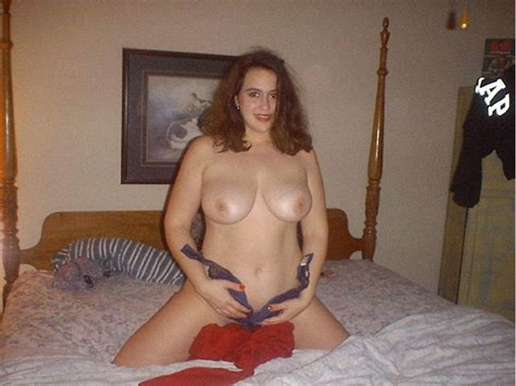 #Young #Wife #Poses #Naked #For #Her #Hubby