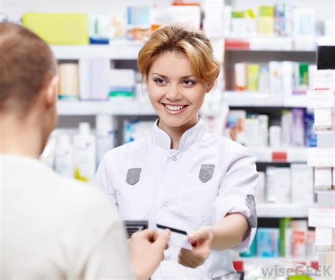 A Pharmacist by What Does A Pharmacist Do With Pictures