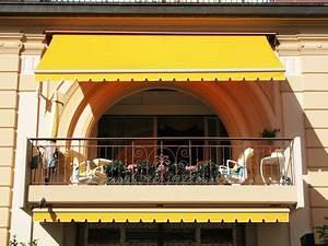 sonnenschirme und co sonnenschutz im garten With französischer balkon mit sonnenschirm uv 801