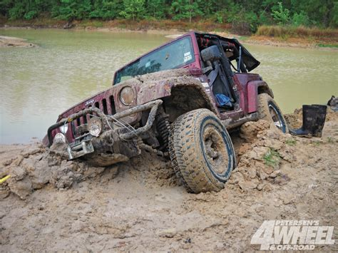 jeep stuck in mud meme jeep stuck in deep mud fun in the mud pinterest