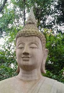 Buddha Statue Im Garten : stonr buddha stockbild bild von garten statue thailand 104104187 ~ Bigdaddyawards.com Haus und Dekorationen