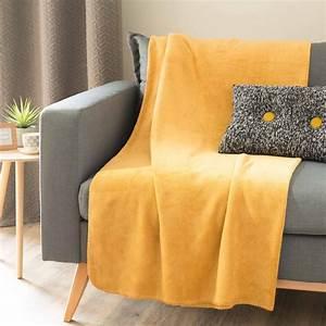 Deco Jaune Moutarde : plaid doux jaune moutarde 150 x 230 cm chaleur maisons ~ Melissatoandfro.com Idées de Décoration