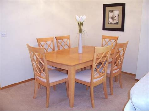 honey maple kitchen table and 6 chairs oak bay