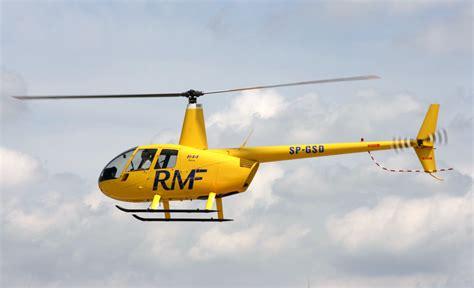 File:Robinson R44.jpg - Wikimedia Commons