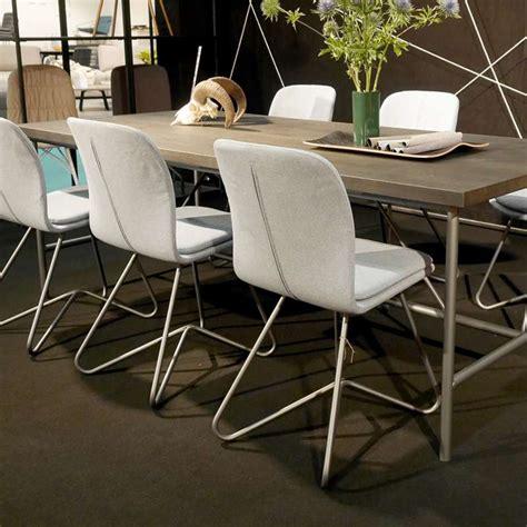 Chaises de salle à manger : Chaise design de salle à manger avec coque en tissu ...