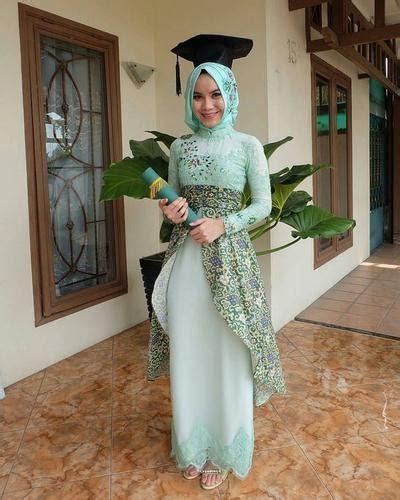inspirasi kebaya hijab  wisuda   bikin kamu