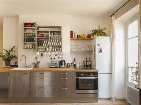 cuisine en bois clair decoration cuisine bois inox apres blanc bois clair et