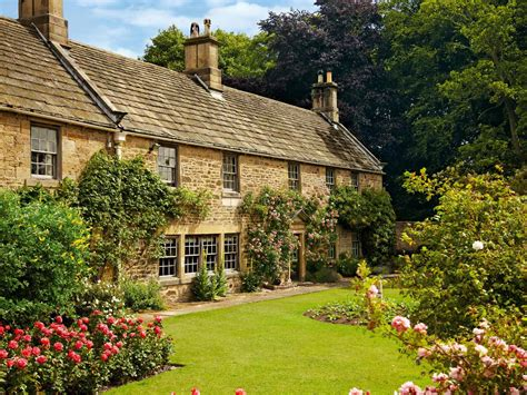 Five Of The Loveliest Cottage Gardens Saga