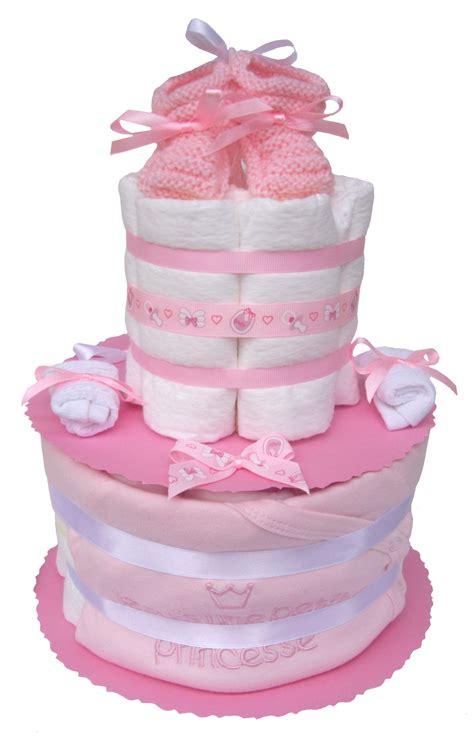 cadeau pour une petite baby princesse en couches pampers