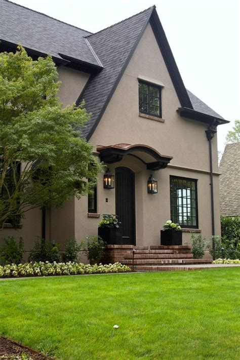 25+ Best Ideas About Stucco Exterior On Pinterest  Stucco