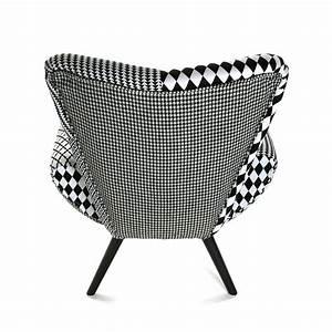 Fauteuil Design Blanc : fauteuil forme design en tissu patchwork blanc et noir et ~ Teatrodelosmanantiales.com Idées de Décoration