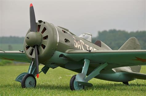 Scale Russian Polikarpov I-16 WW II Fighter - Soviet