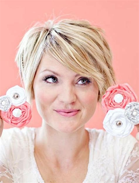 popular short hairstyles  thick hair