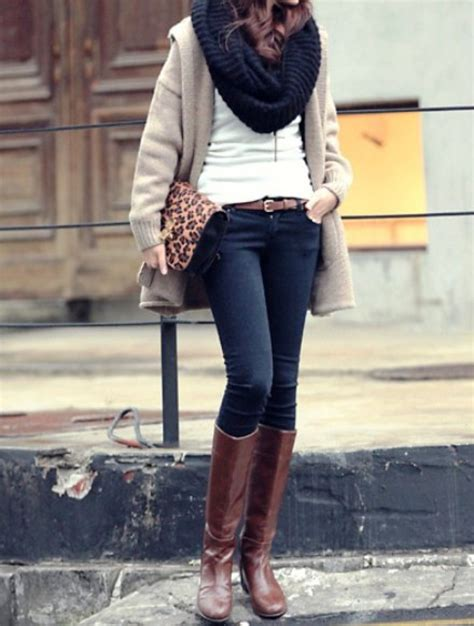 Great casual winter outfit. Love the boots love the cowl. | Winter casual outfits!..So lovely ...