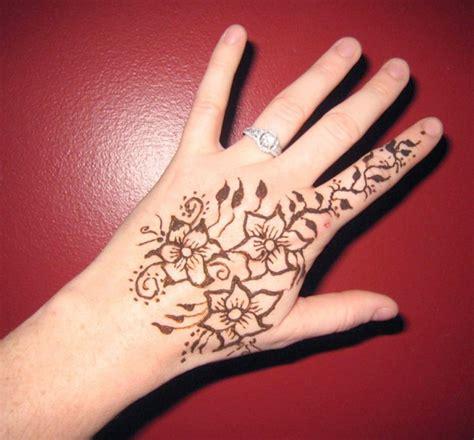 women secrets  super cool  hands mehndi designs