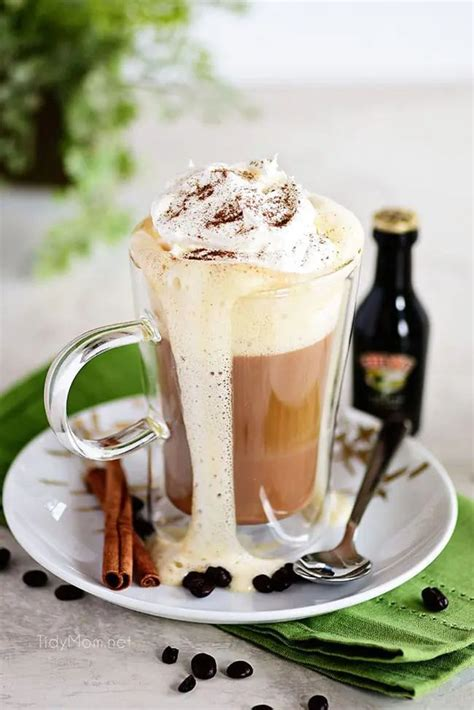 With real dairy cream and genuine baileys, elevate your coffee to a moment of true. CREAMY BAILEY'S IRISH COFFEE COCKTAIL   Recipe in 2020   Kahlua recipes, Coffee recipes, Irish ...