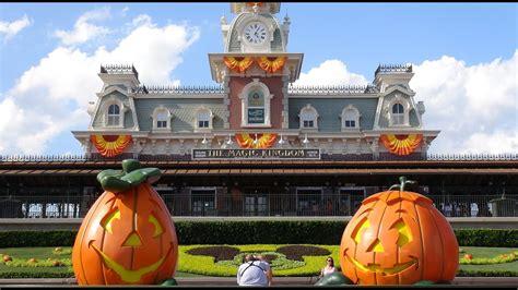 halloween  magic kingdom decoration  ambient sound disney world florida youtube
