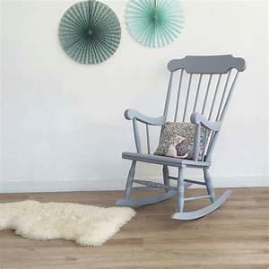 Chaise A Bascule Chambre Bebe : superbe rocking chair vintage en bois qui apportera une touche r tro chic unique votre ~ Nature-et-papiers.com Idées de Décoration