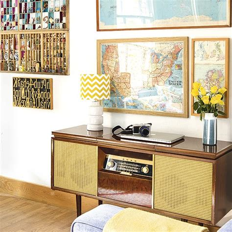 Vintage Map Living Room by Retro Living Room With Vintage Finds And Maps Decorating
